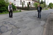 Tiry zniszczyły drogę
