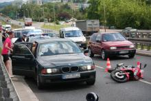 Motocyklista wjechał w BMW