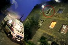 Wypchnął konkubinę z okna?