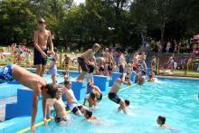 Ostatki na basenie. W weekend za darmo dla wszystkich!
