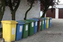 Stawki opłat za odbiór śmieci w gminach b. województwa