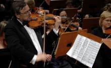II Koncert skrzypcowy Szymanowskiego wspólnie z jeleniogórską orkiestrą zagra profesor Roman Lasocki