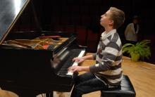W finale konkursu zagra niespełna 14-letni jeleniogórzanin Aureliusz Miszczyk!