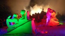 Śnieżne i lodowe rzeźby powstające pod Szrenicą zawsze przyciągają tłumy widzów. Fot. Daniel Antosik