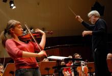 Na otwarcie festiwalu, wspólnie z jeleniogórską orkiestrą pod batutą Tomasza Bugaja, jako solistka zagra Małgorzata Wasiucionek!