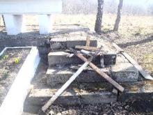 16-latkowie zdewastowali 28 grobów