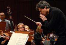 27 marca Orkiestra Symfoniczna FD zagra pod mistrzowską batutą Mirosława Jacka Błaszczyka.