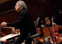 Pod batutą Marka Pijarowskiego z jeleniogórską orkiestrą jako solista zagra wiolonczelista Roman Samostrokov.
