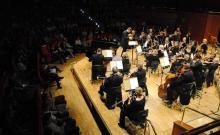 Orkiestra Symfoniczna i młodzi soliści grać będą pod batutą Pawła Pietruszewskiego.