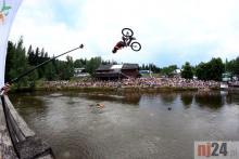 Hop, rowerem do wody