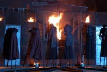 """Spektakl Teatru Biuro Podróży """"Makbet. Kim jest ten człowiek we krwi"""" już we wtorek, 8 września."""