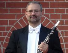 Podczas koncertu inaugurującego festiwal wspólnie z jeleniogórską orkiestrą jako solista wystąpi Karol Respondek