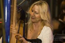 Wspólnie ze słynnym zespołem Carrantuohill zagra harfistka Anna Faber.