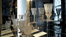 Puchary, patery, szklanice - unikatowe szkło w Muzeum Karkonoskim