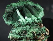 Barwy minerałów w lwóweckim ratuszu