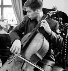 Wspólnie z jeleniogórską orkiestrą jako solista wystąpi wiolonczelista Jan Czaja