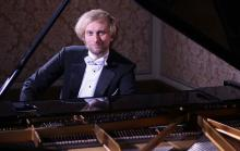 Jako solista wystąpi światowej sławy pianista Ivo Kahánek z Czech