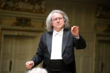 Jeleniogórska orkiestra zagra pod mistrzowską batutą Marka Pijarowskiego.