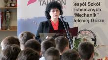 """Wieloletnia dyrektor """"Mechanika"""" Wanda Kozyra odeszła na emeryturę. Zastąpi ją Piotr Iwaniec."""