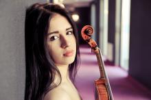 Jako solistka wystąpi młoda utalentowana skrzypaczka - Sara Dragan