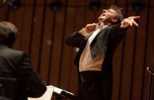 Jeleniogórscy filharmonicy zagrają pod batutą Pawła Kotli / Fot. Marcin Stępień