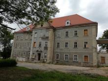 Zastój na przebudowie pałacu w Sobieszowie