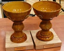 Takie, oryginalne ceramiczne puchary otrzymali Sportowiec Roku 2017 i Trener Roku 2017.