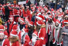 Parada Mikołajów na początek Lwóweckich Jasełek