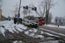 Wóz strażacki wjechał na czerwonym
