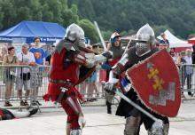 Nawałnica przerwała Jarmark Średniowieczny we Wleniu. Koncerty będą w niedzielę