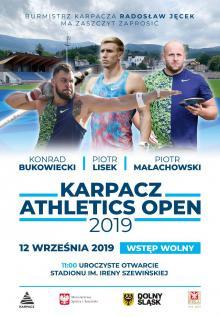 Sportowi mistrzowie na stadionie w Karpaczu