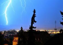 Meteorolodzy ostrzegają przed burzami z gradem