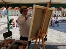 Mistrz Miliński na pięknym rynku we Wleniu