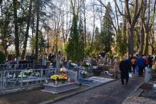 Nie będzie procesji na cmentarzach