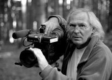 Andrzej Szpak od 1985 do 1995 roku był fotoreporterem Nowin Jeleniogórskich. Później wrócił do pracy korespondenta telewizyjnego