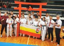 Złota drużyna karateków z Jeleniej Góry