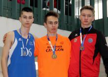 Z lewej Szymon Jarosz (MKL 12 Jelenia Góra)